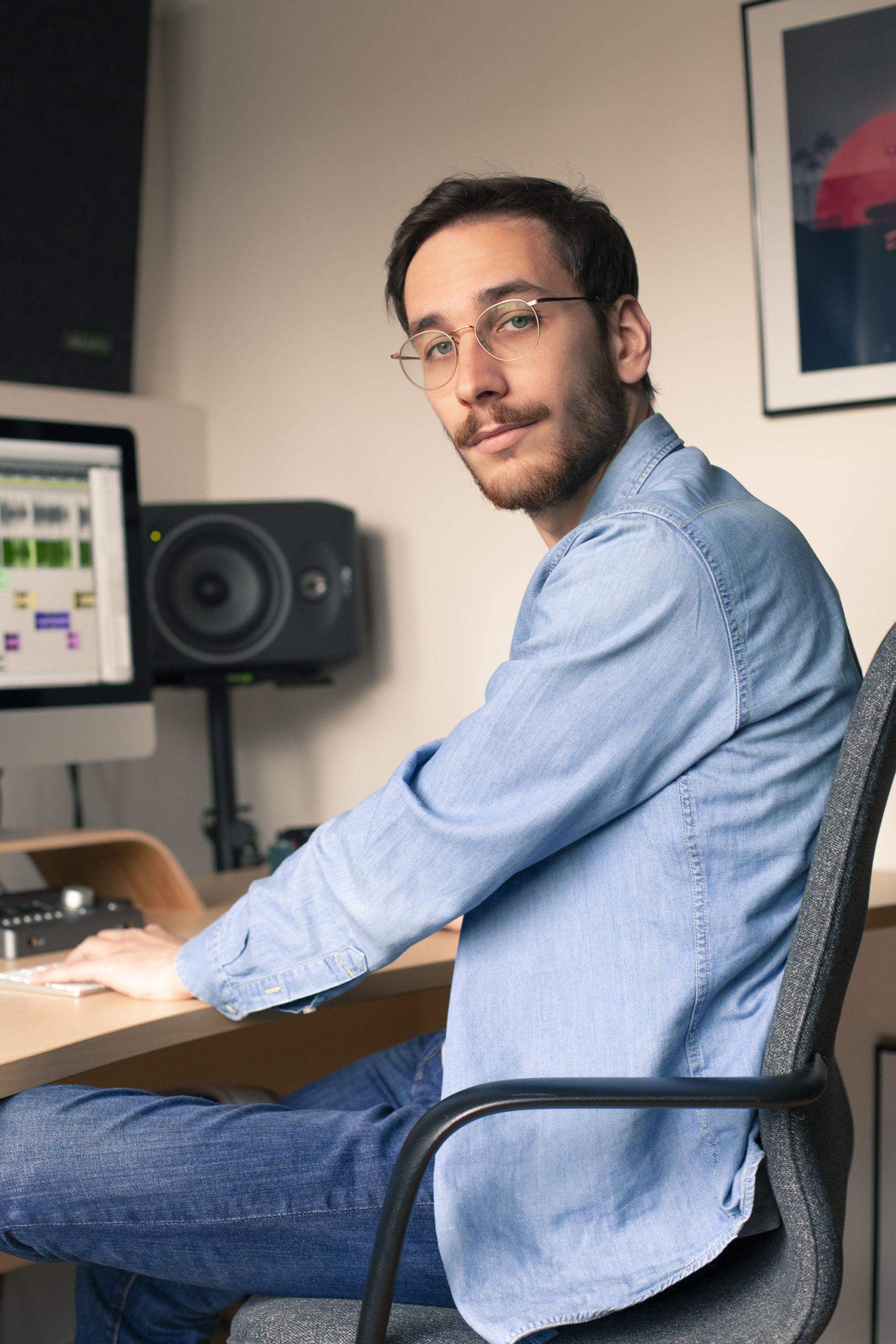 Clément Delsaut voix off pour projets pub, radio, e-learning...